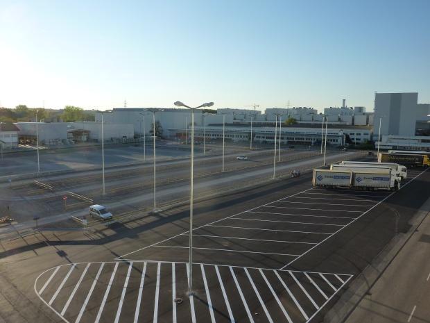 fertige Parkplatzbeleuchtung